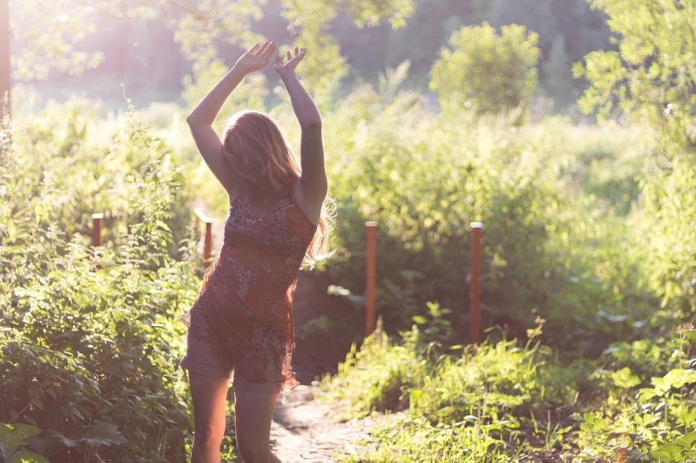 Femme avec le confort de sa culotte menstruelle Fempo